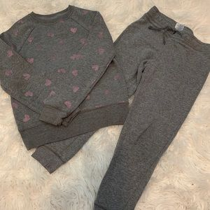 2/$25 Girls outfits set size 6X